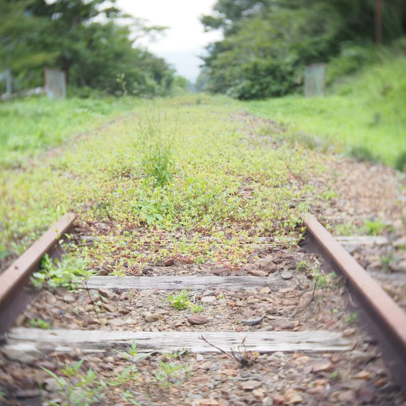 線路はつ・・・。