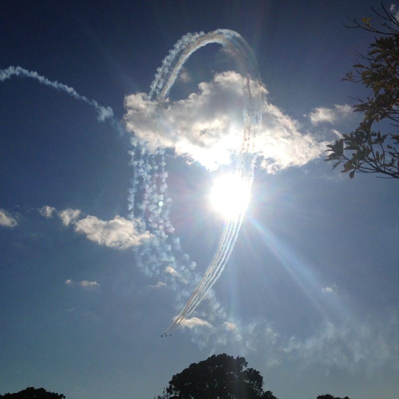 空を翔ける雲のリング