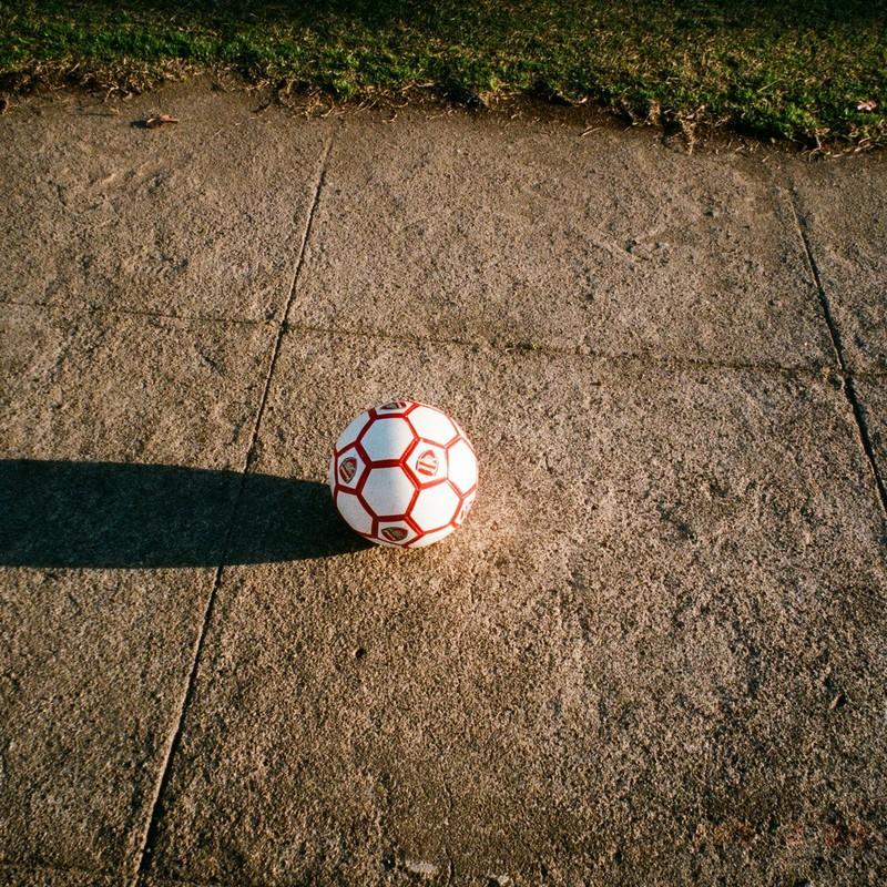 忘れ去られたサッカーボール