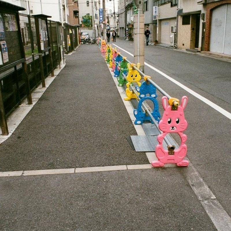 色づく街角。