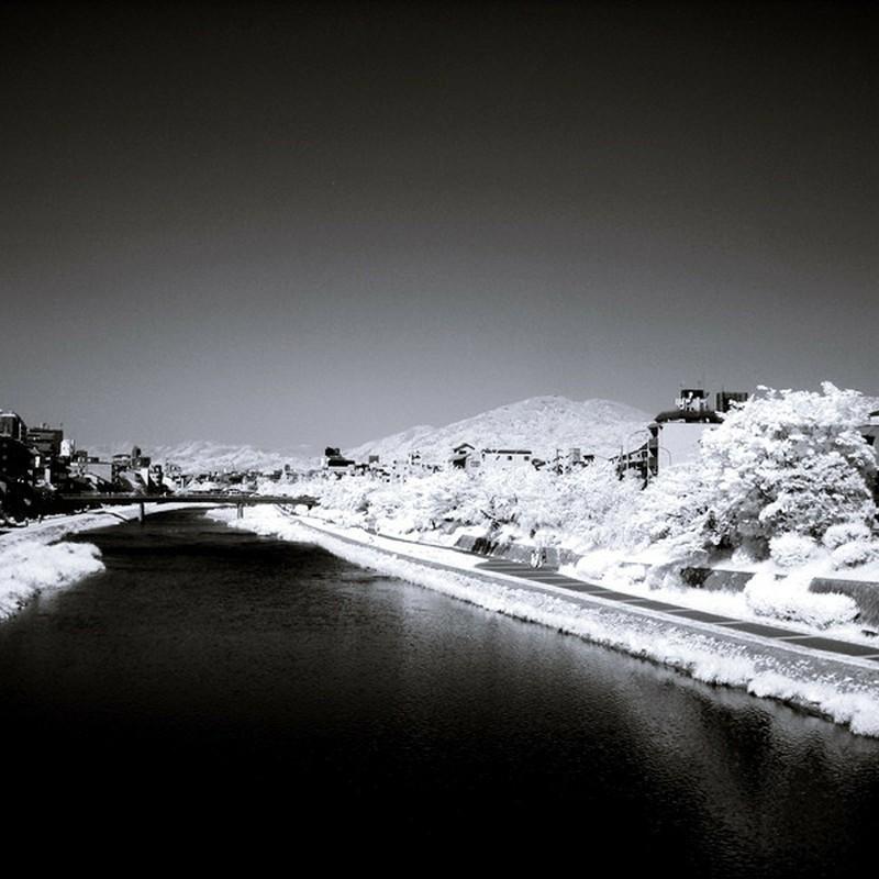 Black river。