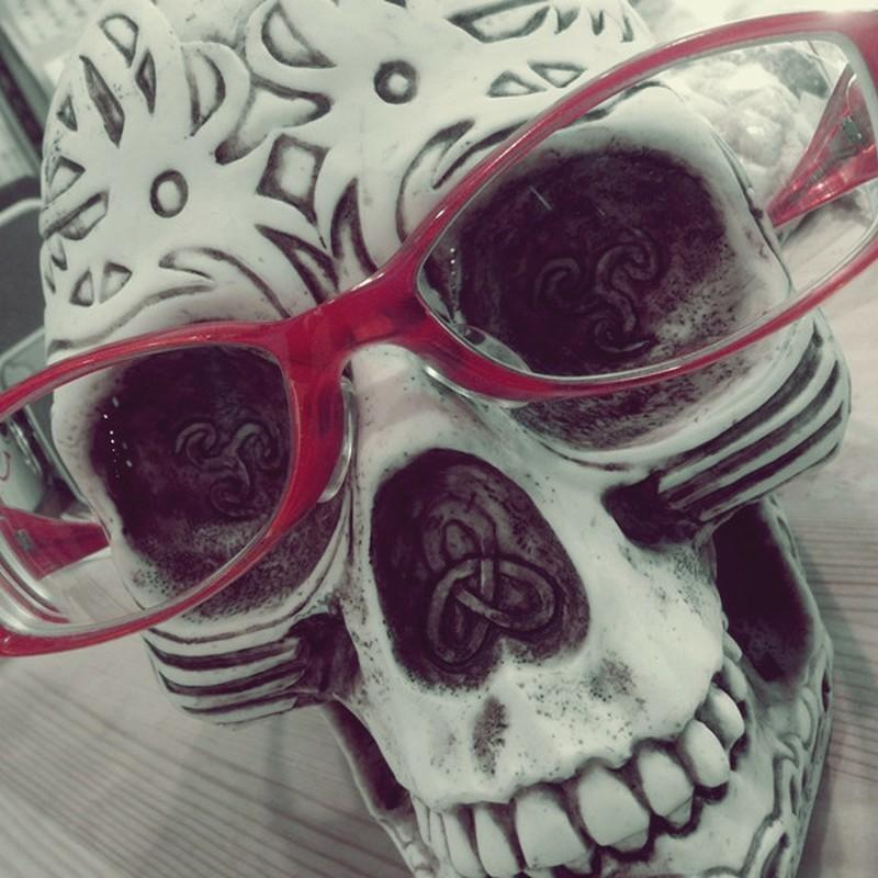 メガネっ骨。