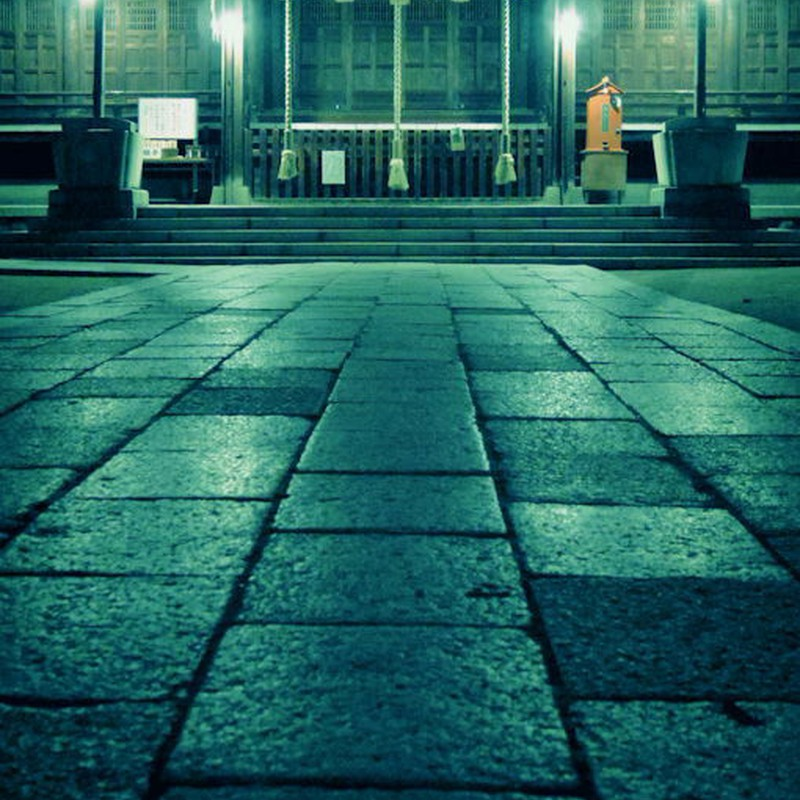 夜中の四柱神社