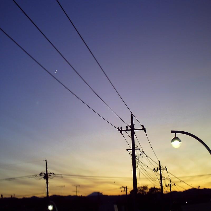 夜を待つ灯