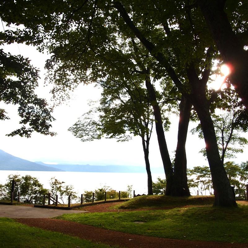湖畔のお散歩