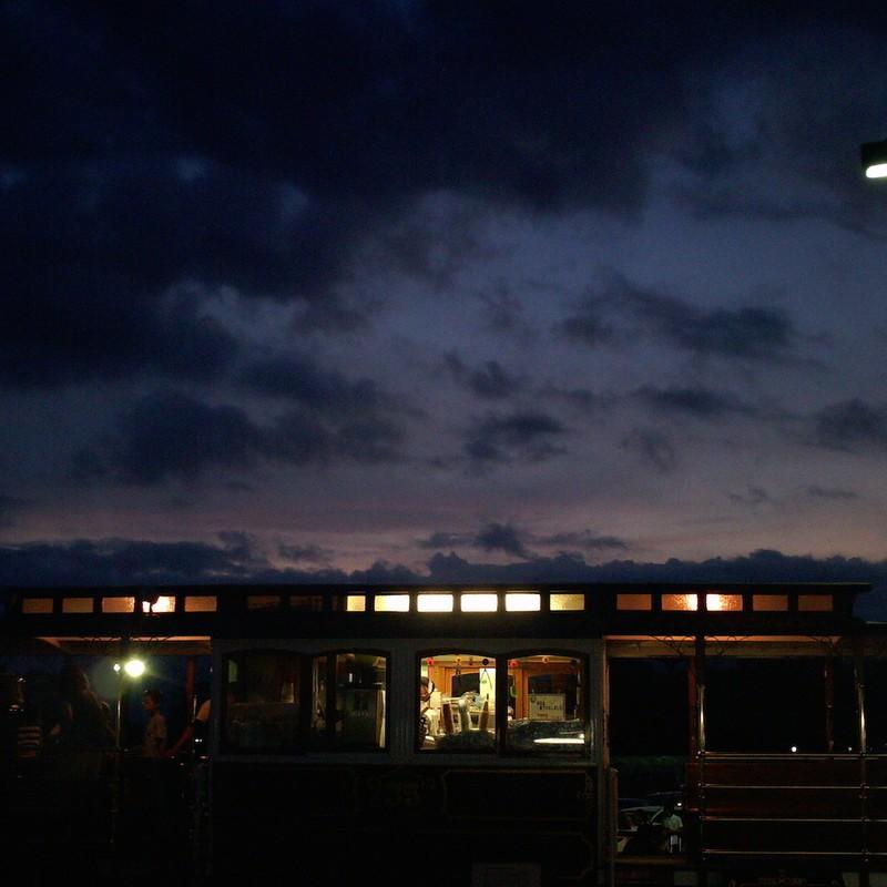 2015/08/09_夕暮れのクラシックトロリーバス