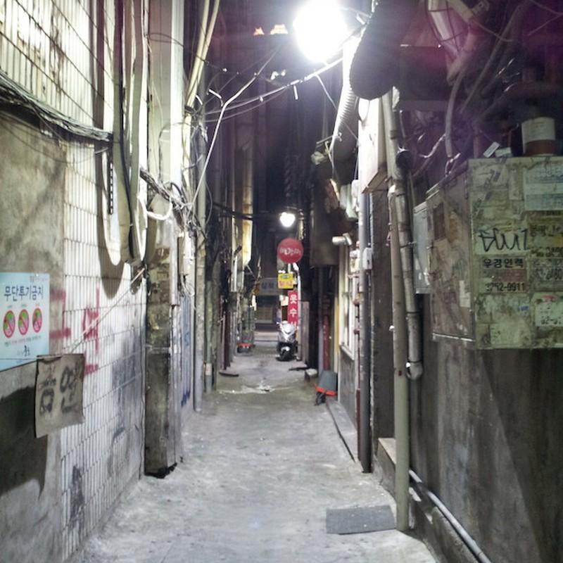 2017/06/18_夜の明洞の裏路地