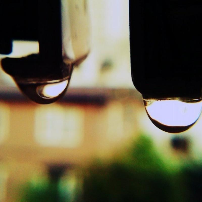 水滴ふたつ