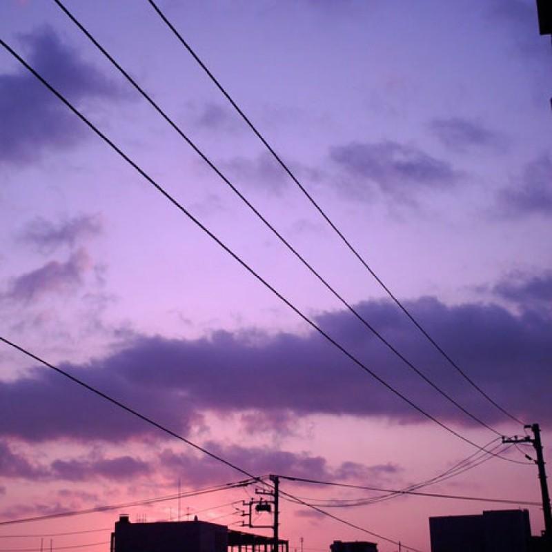 青紫の夜明け