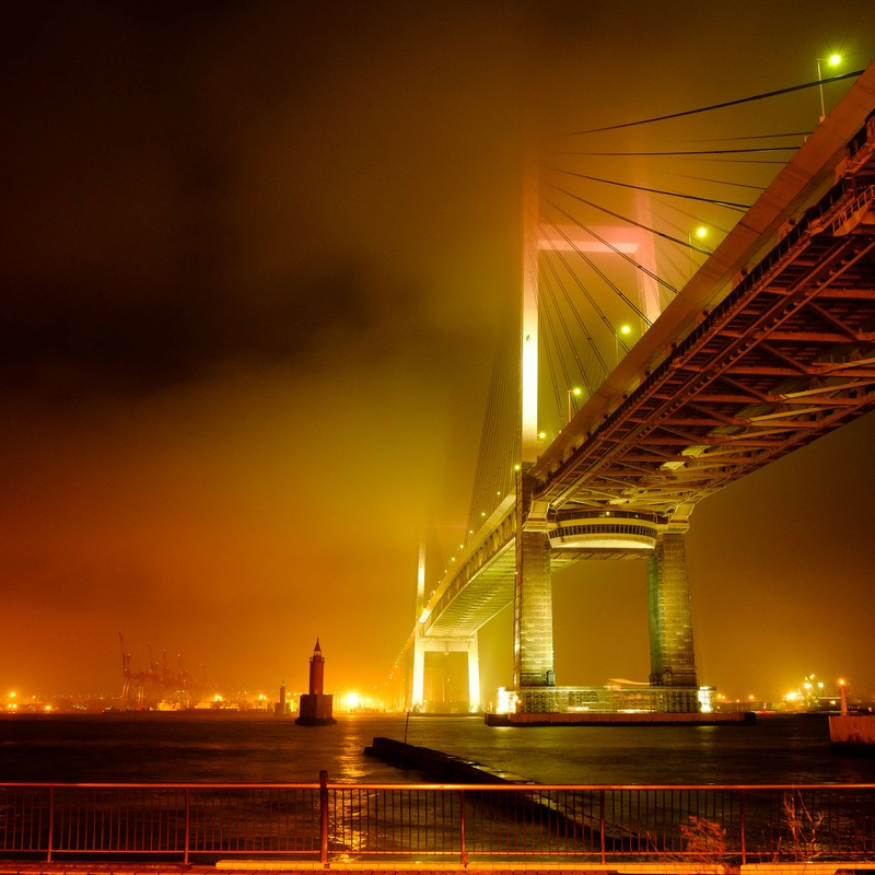 濃霧なベイブリッジ