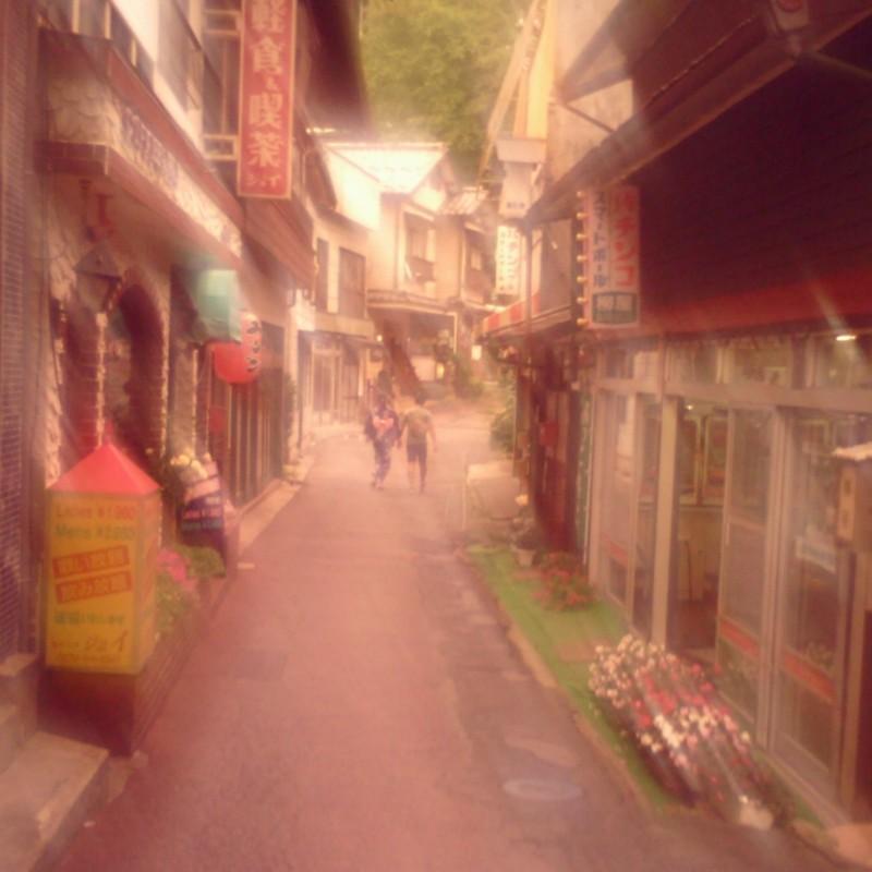 夏の温泉街