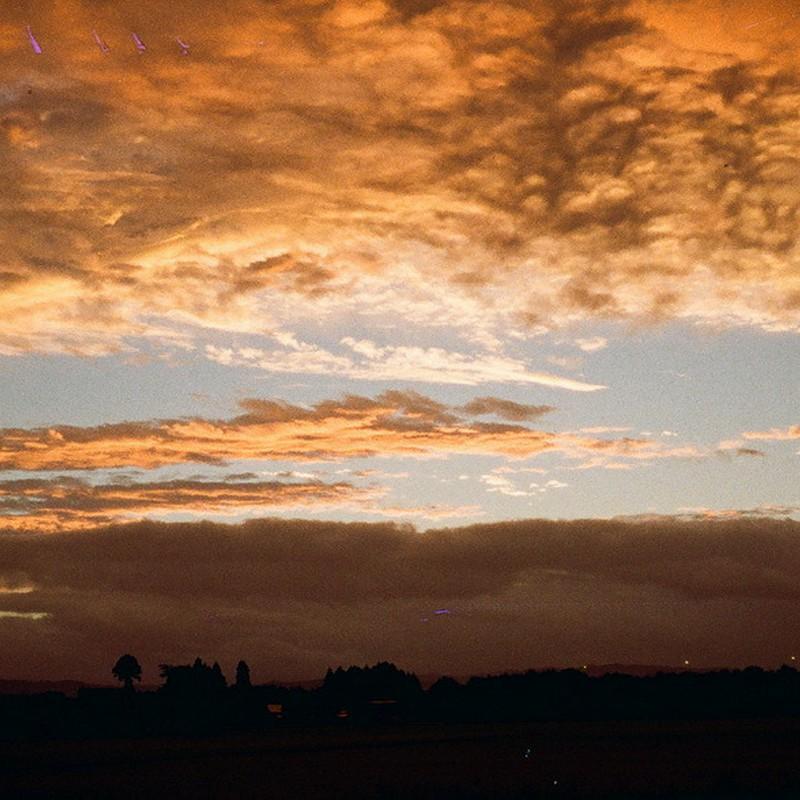 初秋の夜明け