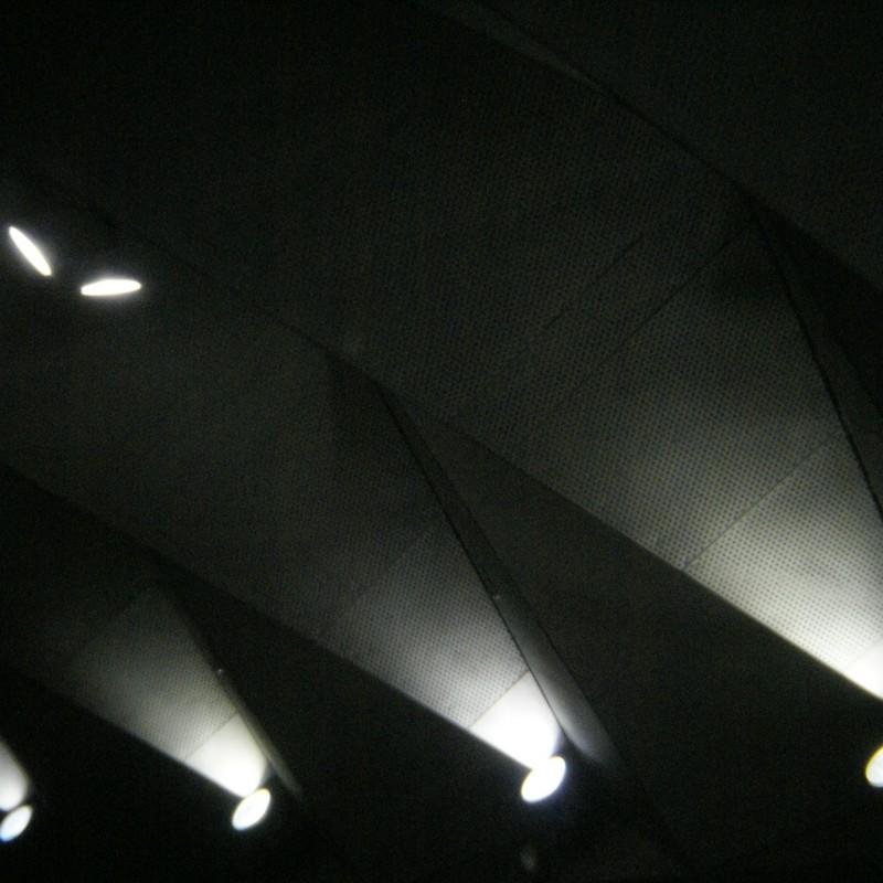 大桟橋劇場(照らす)