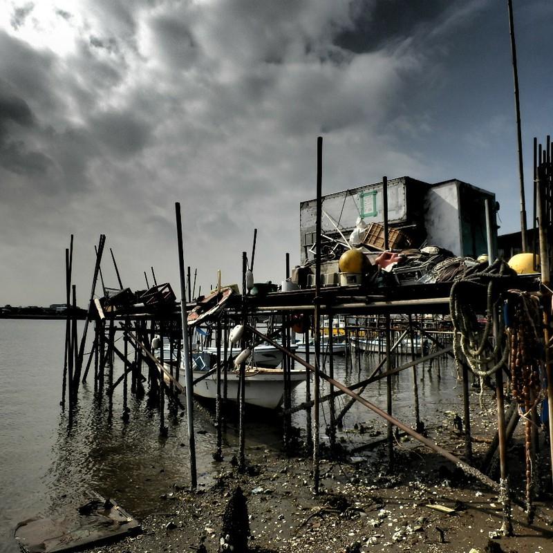 都会の漁港