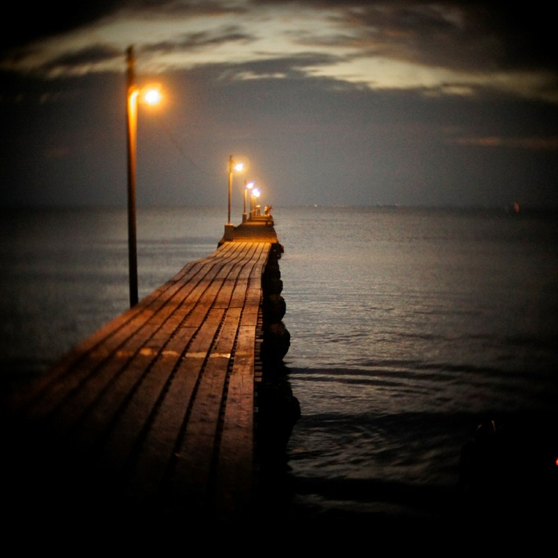 桟橋(夜にむかう時)